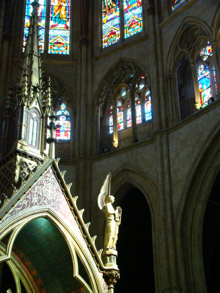 Inside the Sainte-Marie Cathedral