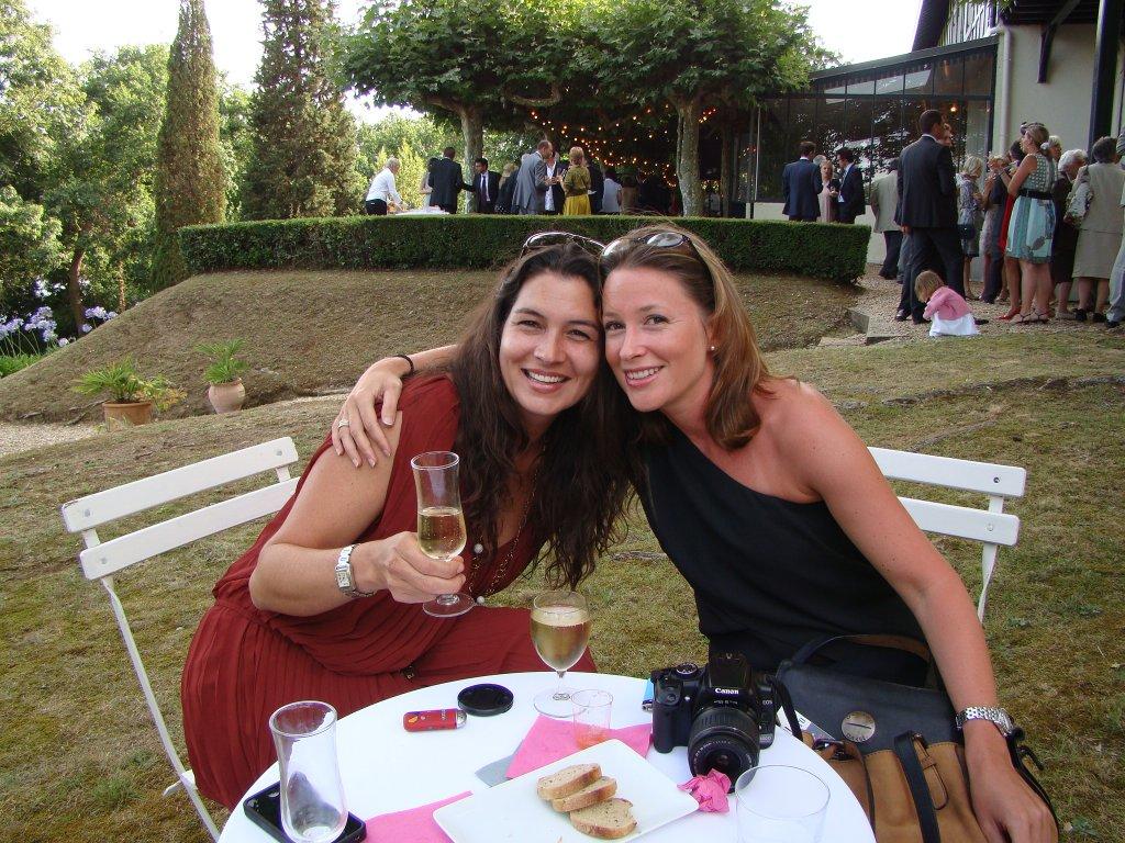 Brigitte reuniting with old high-school friends (Anne)
