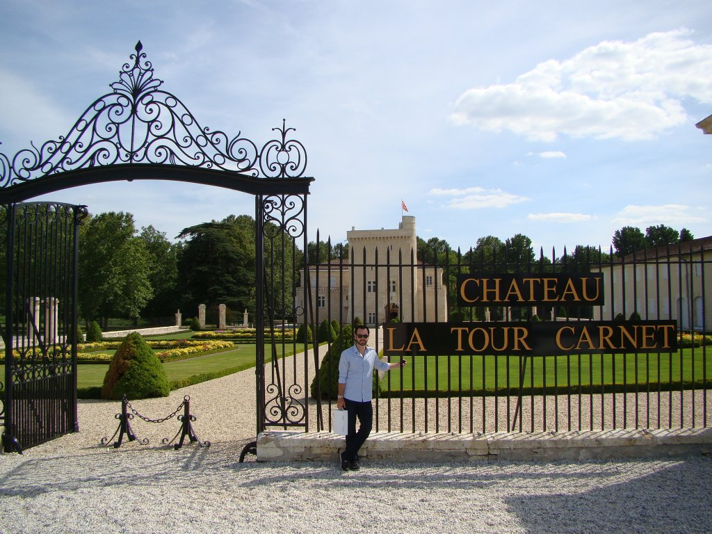 Arriving at Chateau Latour Carnet
