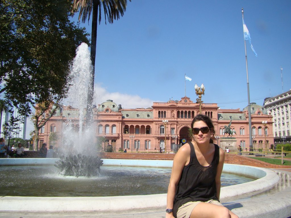 b-with-casa-rosada-in-the-background-it-is-the-xecutive-mansion-and-office-of-the-president-of-argentina