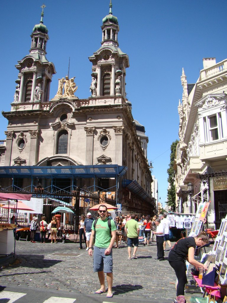 checking-out-the-famous-sunday-market-in-san-telmo