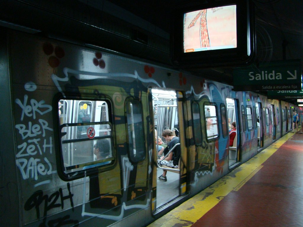 el-subte-the-metro-an-inexpensive-way-of-traveling-around-town