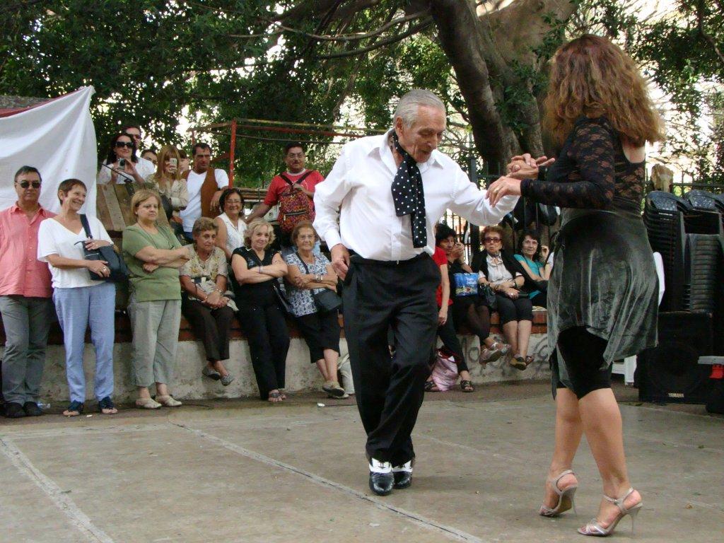 street-tango-in-san-telmo