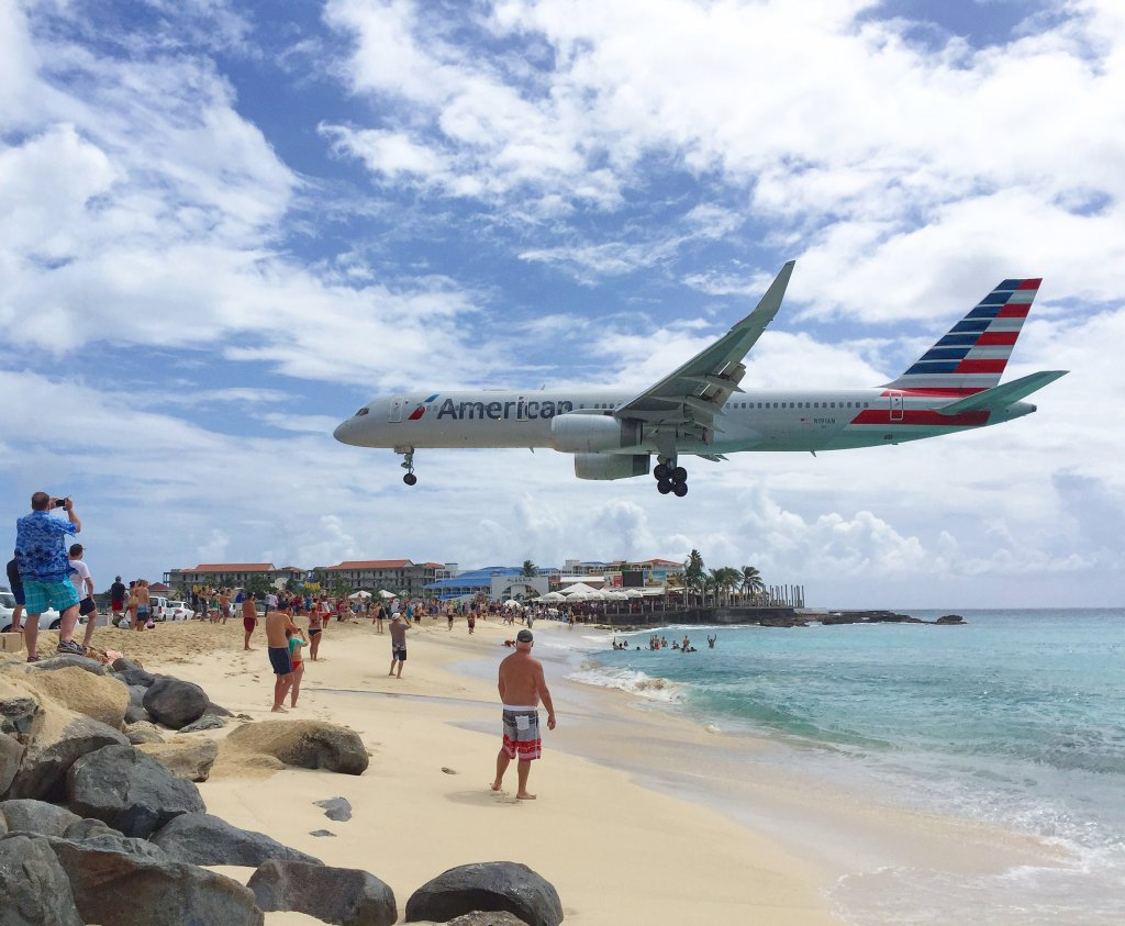 AA on landing at SXM airport