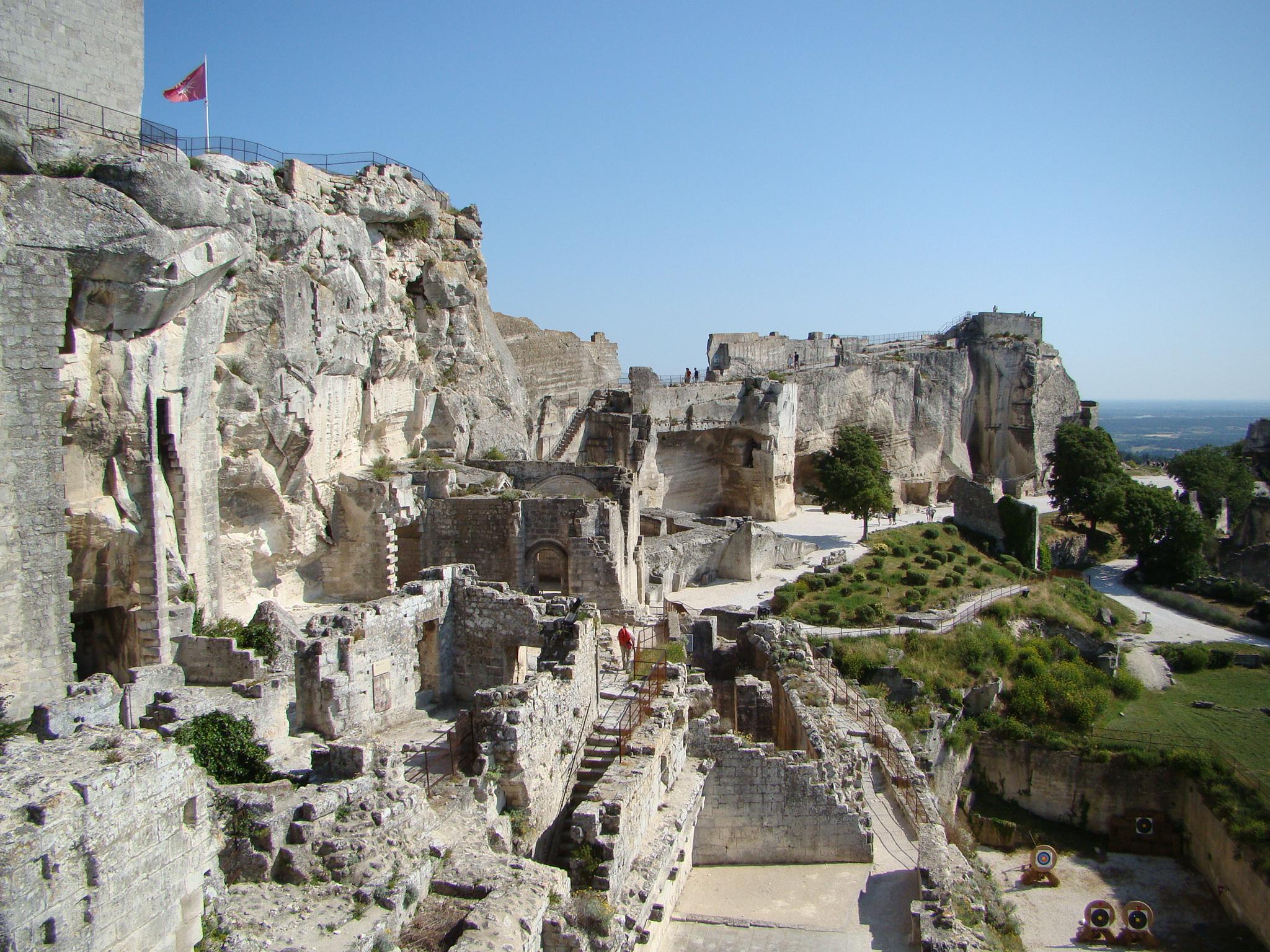 Chateau les baux a b journey - Office du tourisme des baux de provence ...