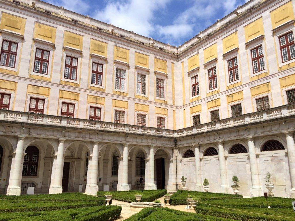 Palacio da Mafra Courtyard